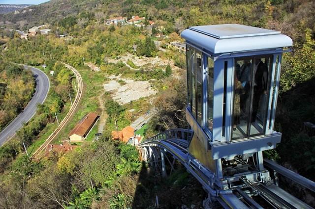 Във Велико Търново работи първият фуникуляр в България